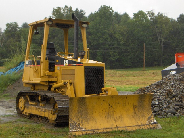 00' cat d3c series three hystat dozer from maine 003.jpg