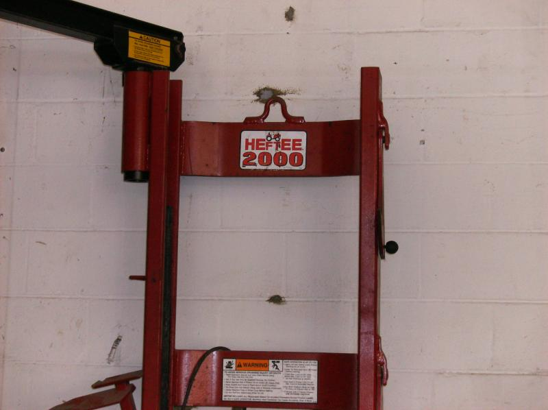 Heftee 2000 Equipment Lift Lawnsite