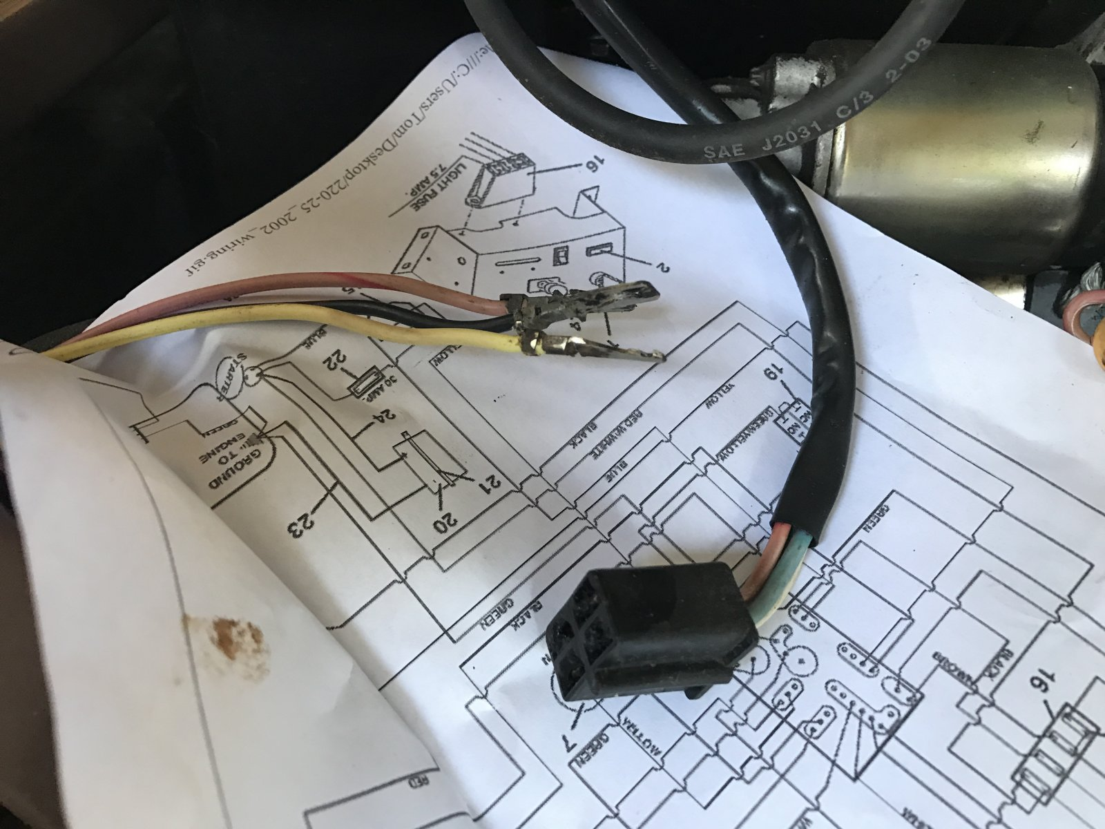 Grasshopper 225 Wiring Reg Mag Solenoid Plug Lawnsite Mower Diagram They Into The That Says It Is For But There Are Also 4 Wires Not Sure If Was A Jumper In Or