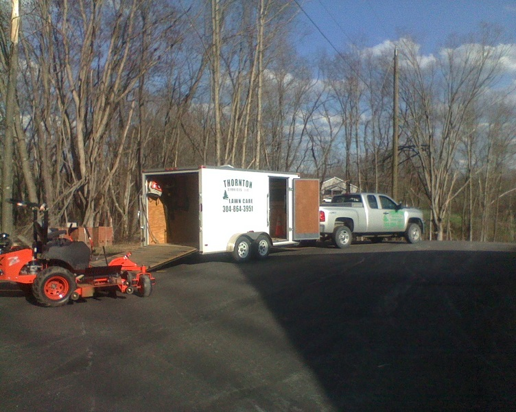 14ft box trailer.jpg