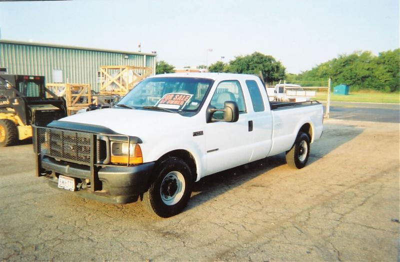 2001 Ford Pickup front.jpg