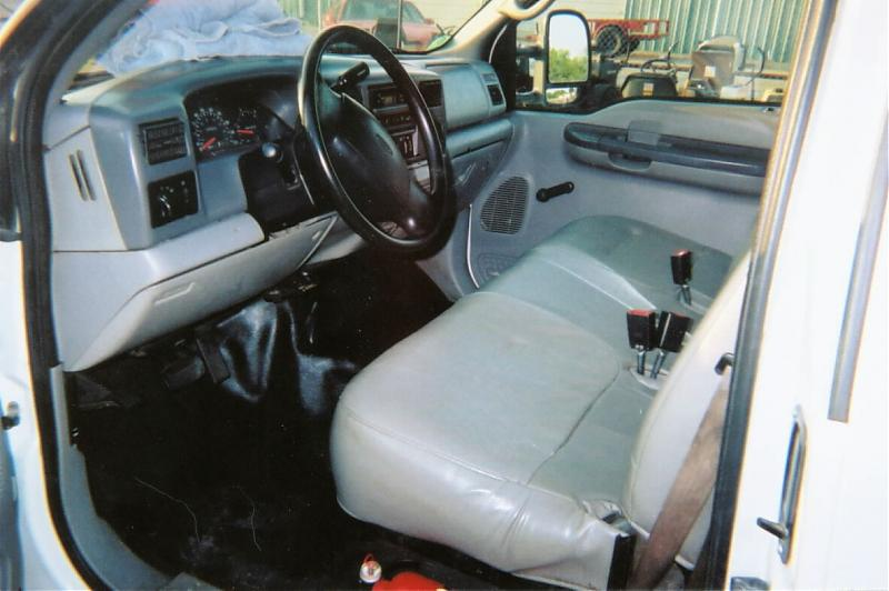 2001 Ford pickup interior front.jpg