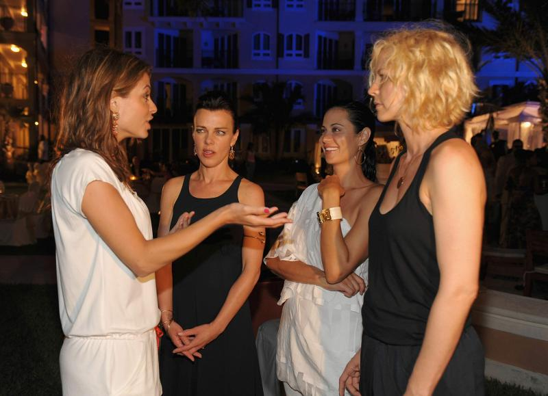 85419_Catherine_Bell_attends_the_grand_opening_of_Italian_Village_and_Pirates_Island_Waterpark_1.jpg