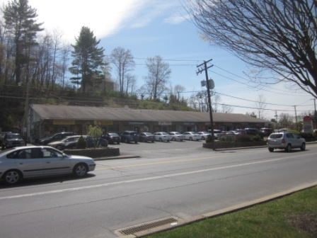 AAA Tax Service Strip Mall 002.JPG