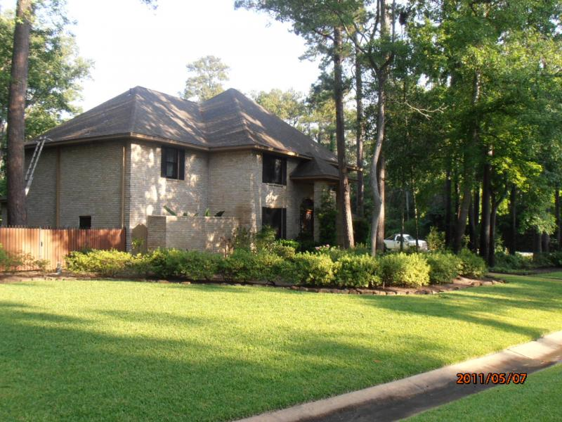 After Roof Cleaned Kingwood Texas.jpg
