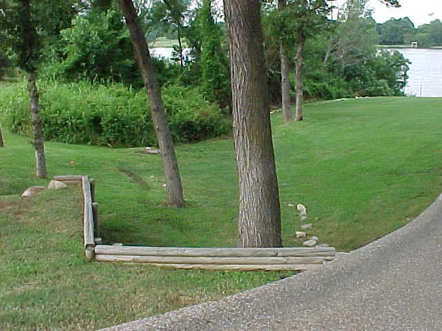 Anderson drive entry-side yard.jpg