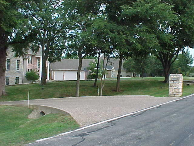 Anderson front drive entry3.jpg