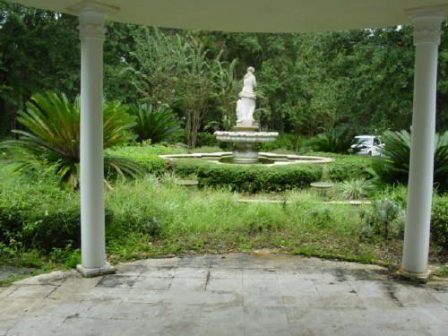 before picture of fountain.jpg