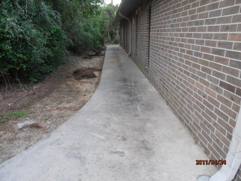 Before Sidewalk Cleaned Kingwood.jpg
