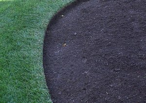 BIGmulch-and-edging.jpg.jpg