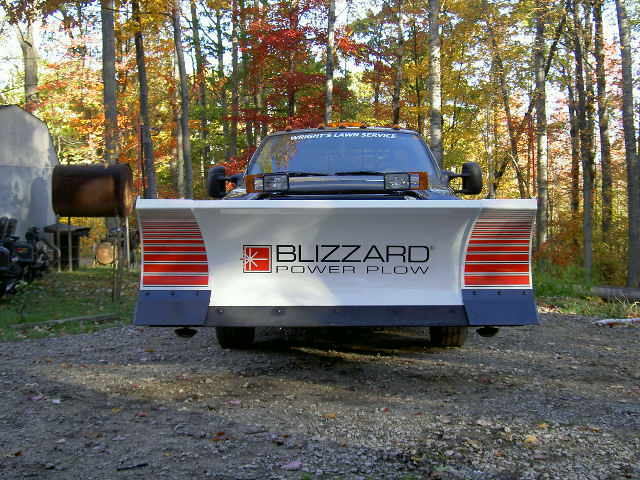 Blizzard 810, ready for snow 002.jpg