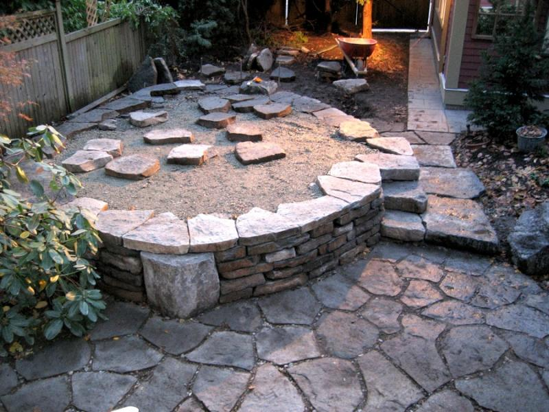 Borrowed Ground Raised patio h3a.jpg