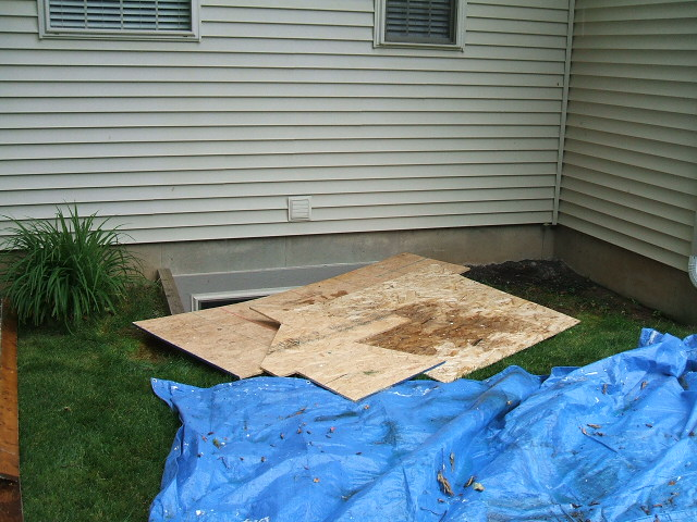 how to close basement water drain for bad adour problems