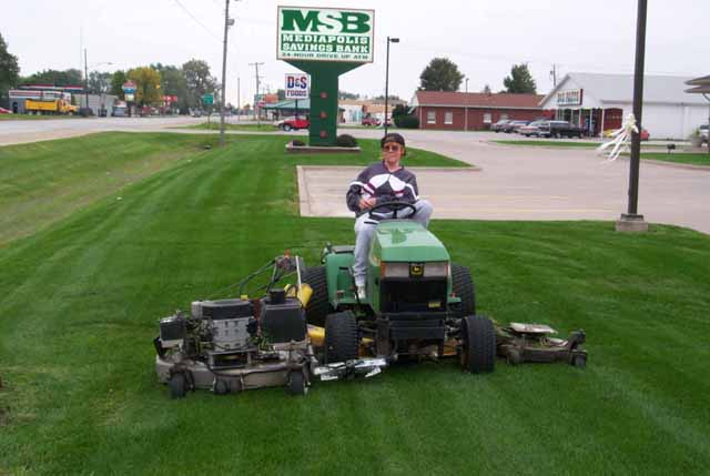 crew chief-bank mowed-great-email-lawnsite.jpg