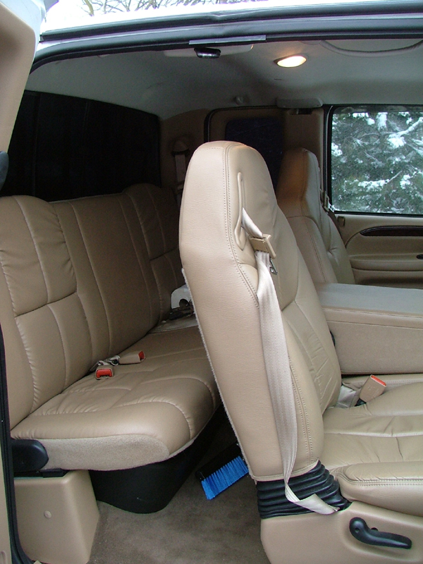 Dodge 2500 Seats Back 8x6.jpg