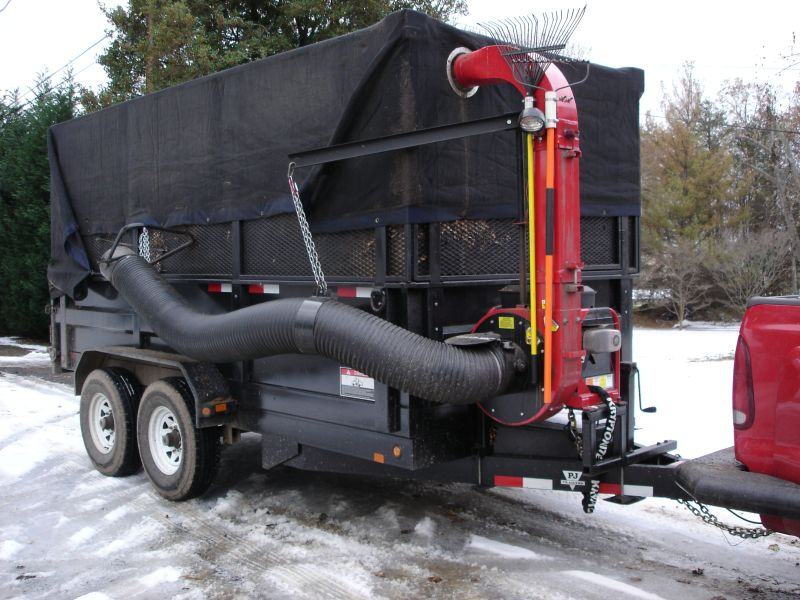 dump trailer with giant vac resized.jpg