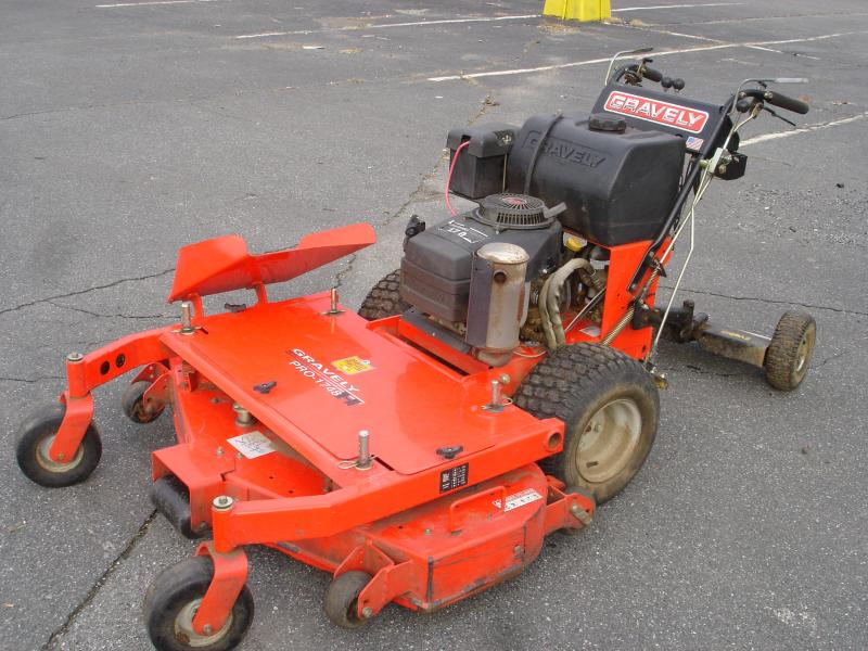 Gravely 17hp 48 inch deck dual hydro 004.jpg