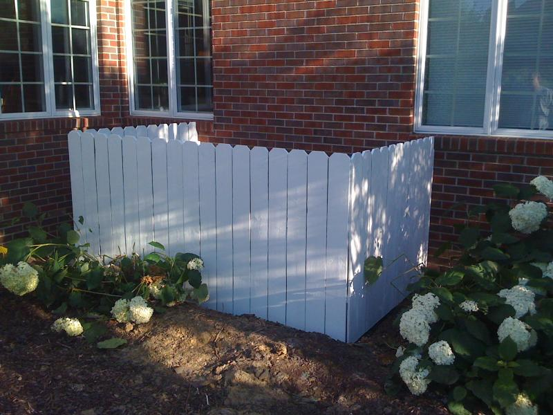 How to build a fence around an air- conditioner
