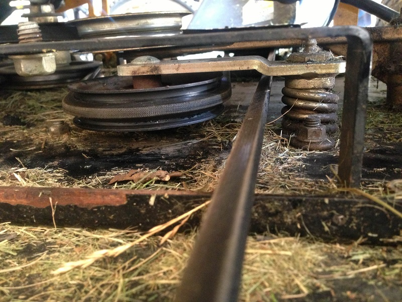 Cub Cadet Tank M60 (2006) black pulley not moving for deck