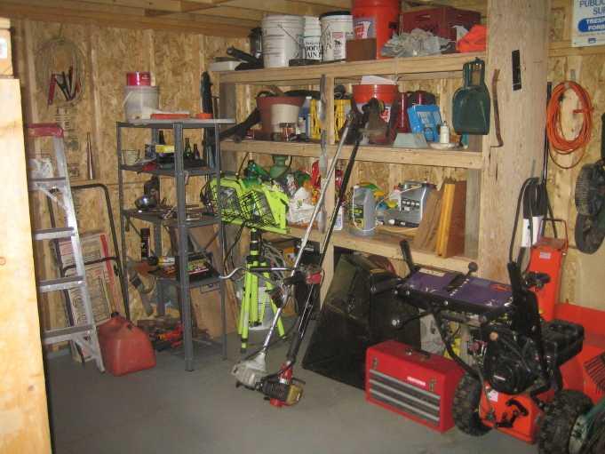 inside shed 02.JPG