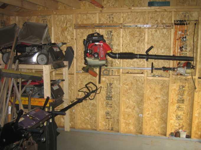 inside shed 05.JPG