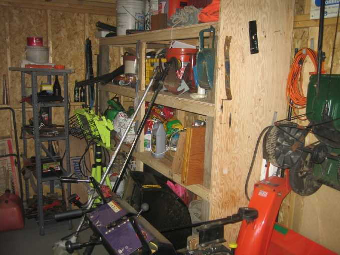 inside shed 09.JPG