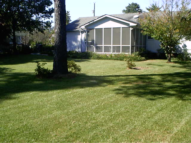 Mom and Dad's House September 23, 2004 003.jpg
