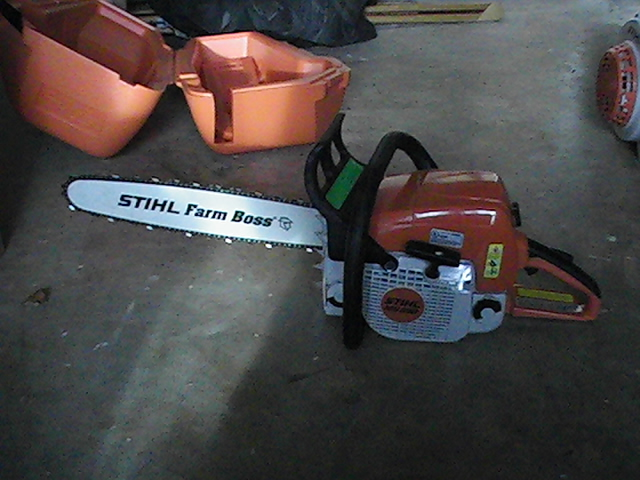 MS290 Farm Boss Chainsaw with 18 inch bar.JPG