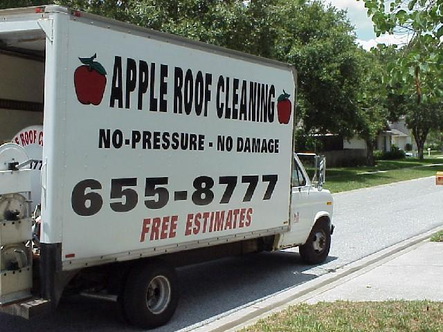 Non%20Pressure%20Roof%20Cleaning%20Truck.jpg