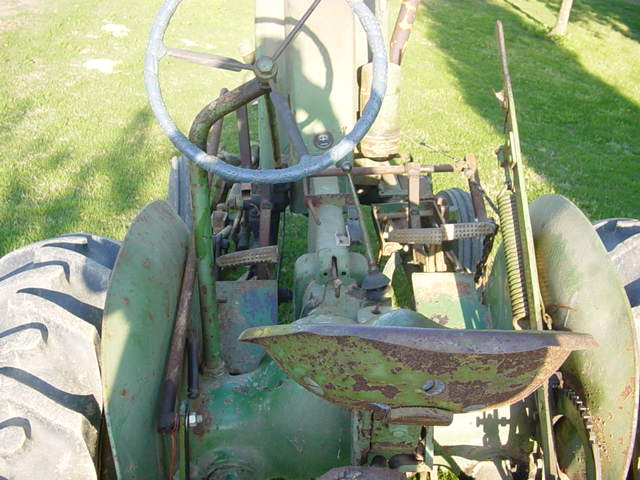 Old JD Tractor 004.jpg