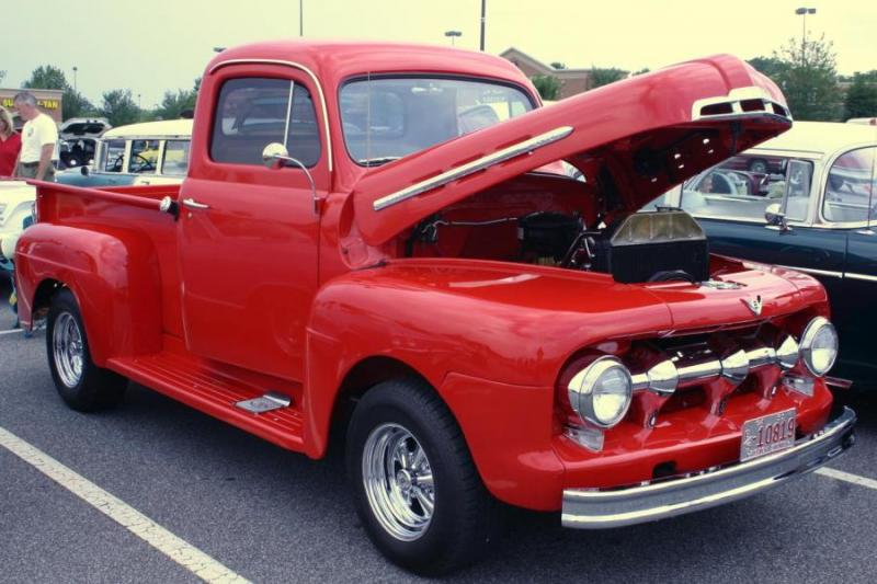 old_ford_trucks_2.jpg
