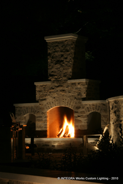 Outdoor Fireplace -4.jpg