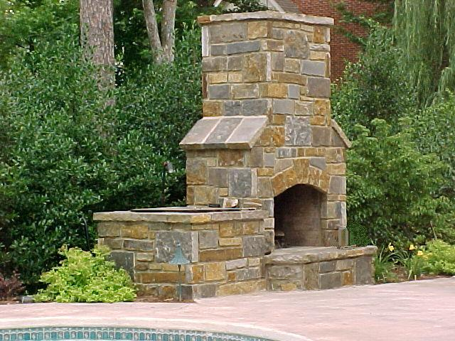 outdoor_fireplace_lr.jpg