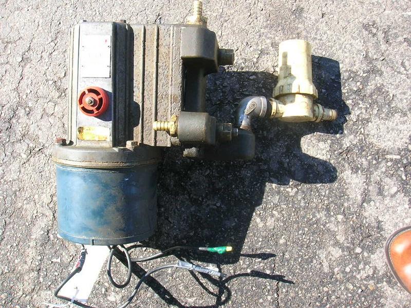 Pump 001.JPG