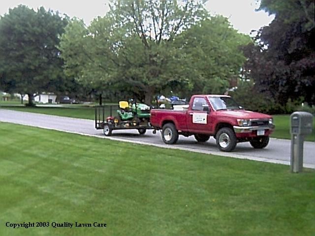 qualitylawnmobile.jpg