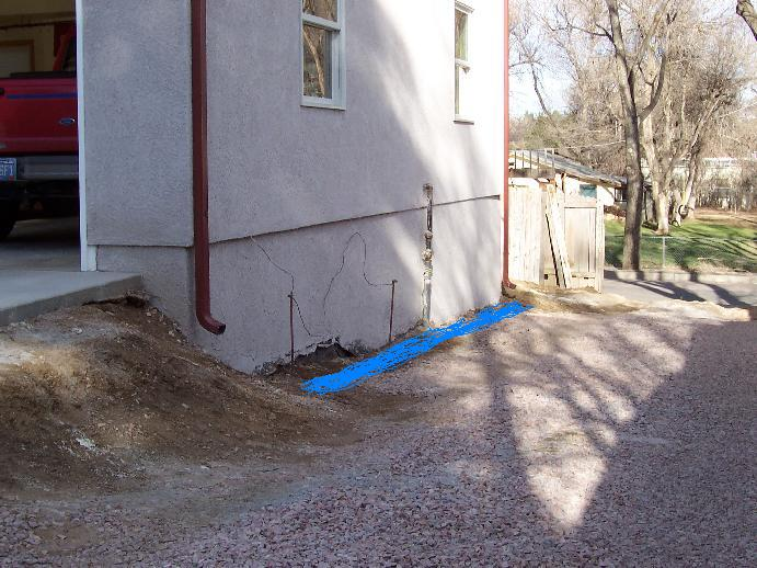 retain wall next to garage with mod.JPG