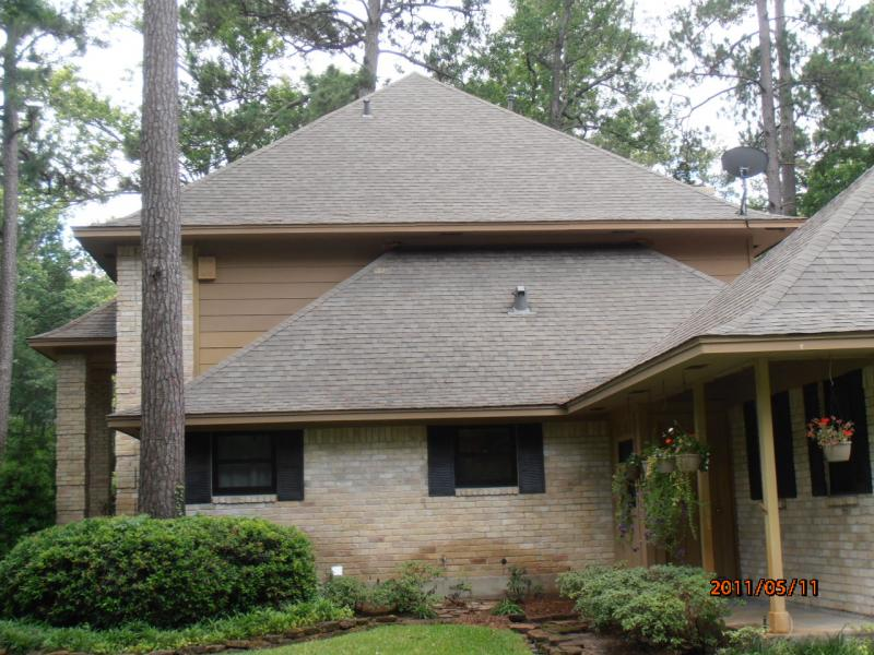 Roof cleaner kingwood tx.jpg
