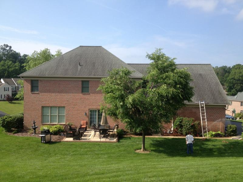 rsz_roof_cleaning_yorkpa_17403_006.jpg