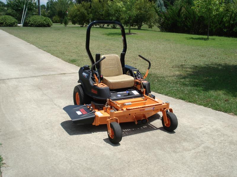 SCAG lawnmower 002.jpg