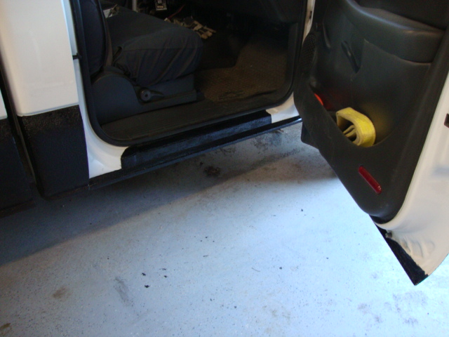 sides bedliner-pass door inside.JPG
