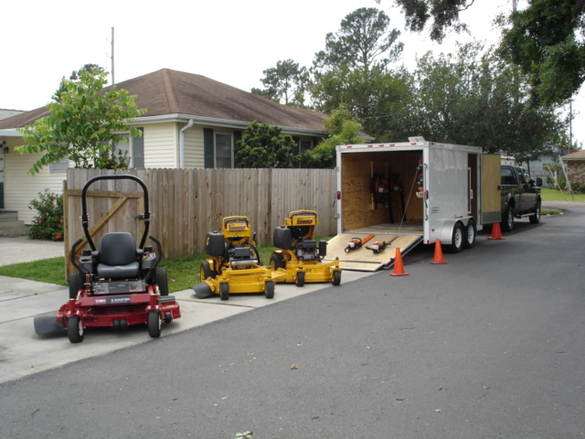 The Picturesque Lawn Company 2007 019.jpg