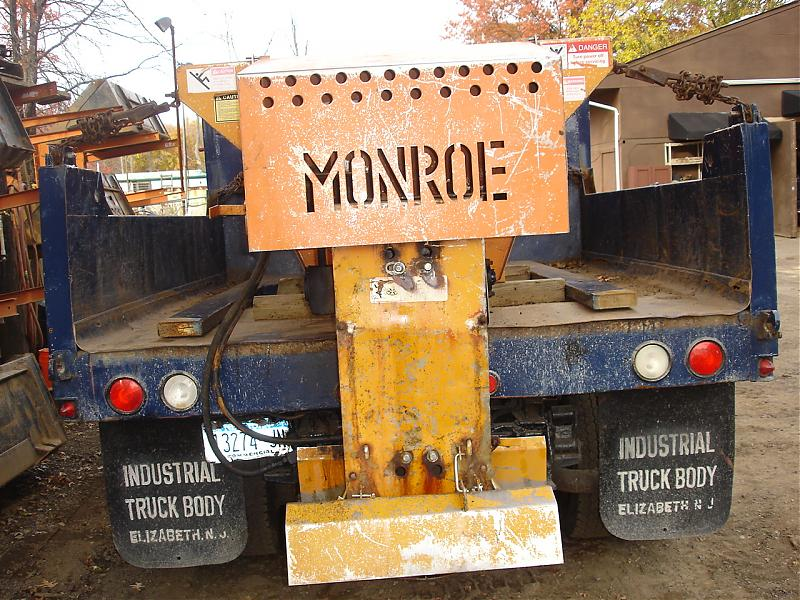 TRUCK PLOW AND SPREADER 023.jpg