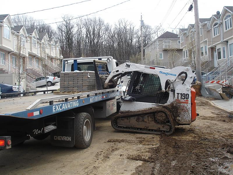 TRUCK PLOW AND SPREADER 275.jpg