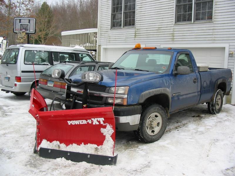 Trucks and GP in snow 046.jpg