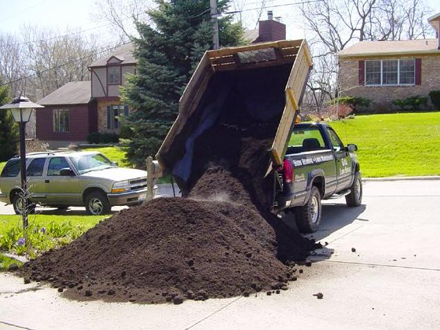 unloadingcompost.jpg