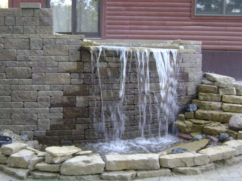 Water Retaining Walls : Wow looks good but leaking water lawnsite